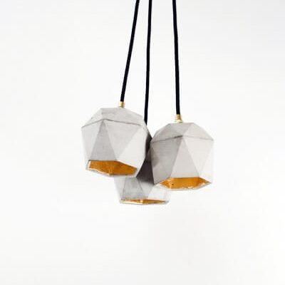 GANT lights T2 -GANTlights T2 hanglampen van beton, set van 3. Het verguldsel aan de binnenzijde van de lamp is van hoge kwaliteit en geeft een aangenaam en warm licht.