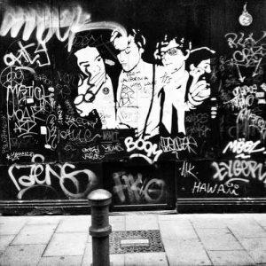 URBAN FRAGMENTS - GRAFFITI WALL 50x50 - D-09101-NO-001 (1)