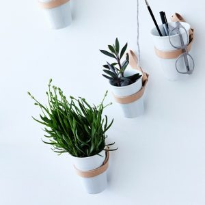 By WIRTH WALL BELT - lederen riem tbv plantenpotten