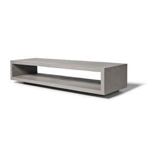 """Lyon Beton MONOBLOC TV-meubel van beton. De MONOBLOC TV Bench, een tv-meubel van Lyon Beton is een praktisch en duurzaam meubel dat lijkt te zweven boven de grond, omdat de poten """"verdekt"""" zijn gemonteerd. Gekenmerkt door zijn strakke, eenvoudige geometrische lijnen en minimalistische design, kan het MONOBLOC TV-meubel met iedere stijl gecombineerd worden."""