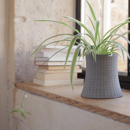 Lyon Beton NUCLEAR PLANT (S) - bloempot, plantenbak van beton (2)