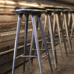 MATER DESIGN High Stool - Barkruk van aluminium (010022)