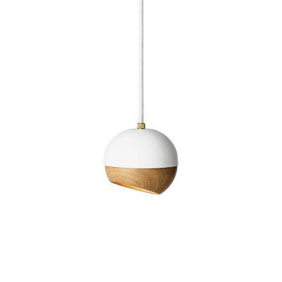 MATER Design RAY – Witte hanglamp van metaal, met FSC® eiken kap