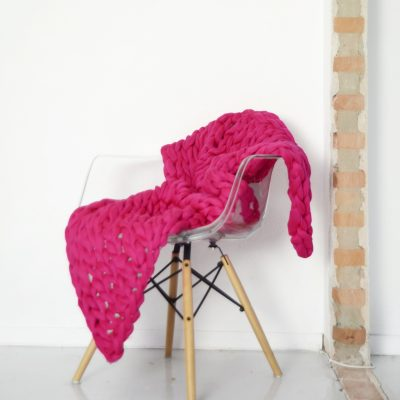 VACHT VAN VILT grofgebreide plaid Flamingo Pink - hard roze