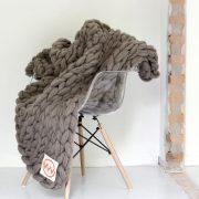 VACHT VAN VILT grofgebreide plaid Clay gray - klei grijs