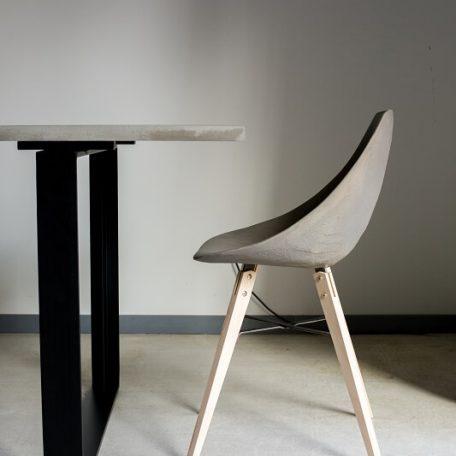 Lyon Beton HAUTEVILLE – Stoel van beton en houten poten - DL-09181-PL-004 (11)