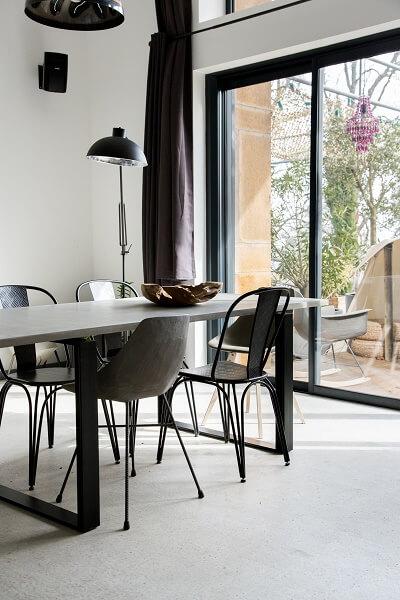 Lyon Beton ALPS - eetkamertafel, tuintafel langwerpig van beton en staal voor INDOOR en OUTDOOR