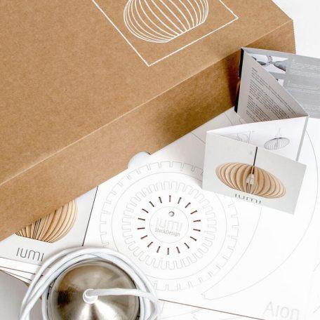IUMI - Hanglamp van Berkenfineer verpakking