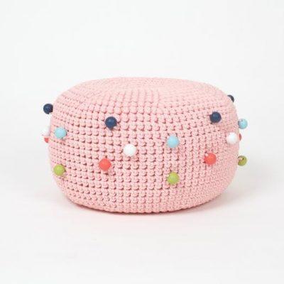 SanFates BUBBLE POUF PIGI - roze gehaakte poef