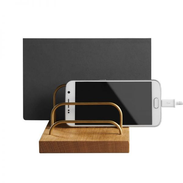 dot AARHUS - BRASS-DOCK - iPad houder dock - Tablet en telefoon houder - Eiken en Messing