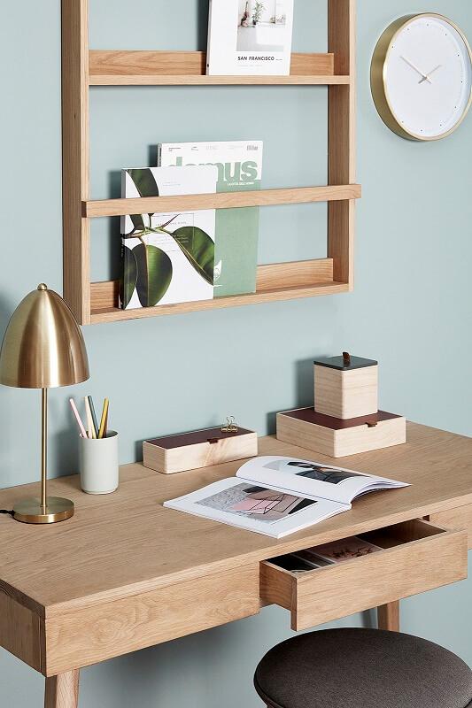 hubsch interior bureau eiken met drie lades. Black Bedroom Furniture Sets. Home Design Ideas