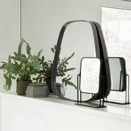 Hubsch Interior - Wandspiegel van metaal trapezium - 42xh48cm - (340503)