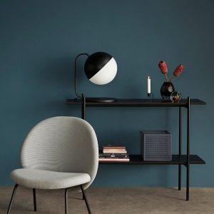 Hubsch Interior - Zwart metalen vloerlamp met melkglas bol - (990603)