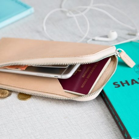 By WIRTH Carry My POUCH - leren telefoonhoes, opbergetui - 20x11 cm - NATUREL