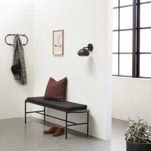 Hubsch Interior - Zwart metalen bankje met kussen - 020702