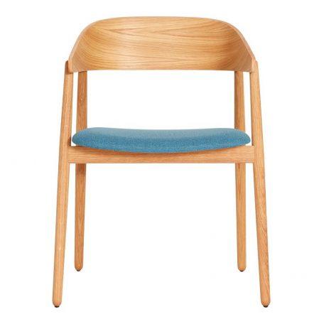 ANDERSEN Furniture - AC2 stoel geolied eiken_blauwe stof