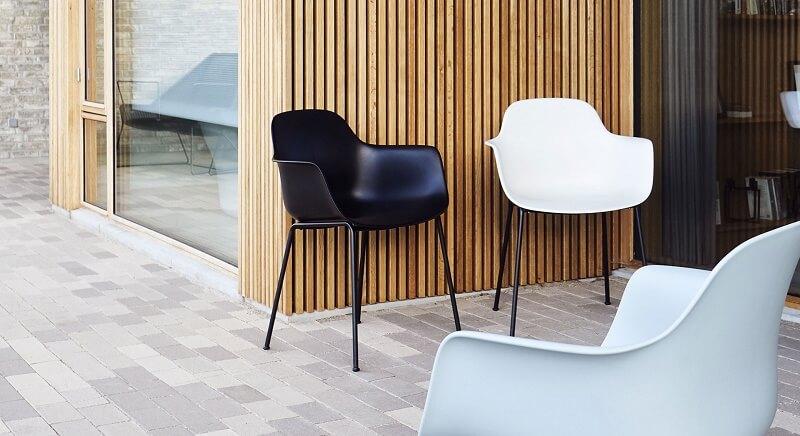 ANDERSEN Furniture - AC3 stoel - Polyester kuipstoel met metalen poten