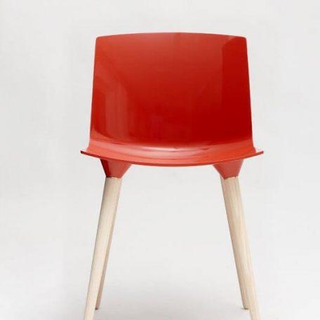 ANDERSEN Furniture - TAC Kunststof kuipstoel met houten poten CORAL