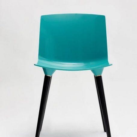 ANDERSEN Furniture - TAC Kunststof kuipstoel met houten poten ZWART_SEA