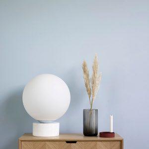 Hubsch Interior - Bol vloerlamp van melkglas, wit marmeren voet- (990836)