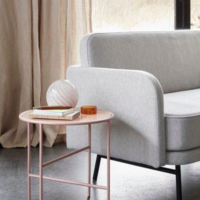 Hubsch Interior - Roze bijzettafel van metaal met glazen blad (020914)