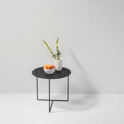 WELD & CO - GRID 01 Side Table - Ronde zwart metalen bijzettafel