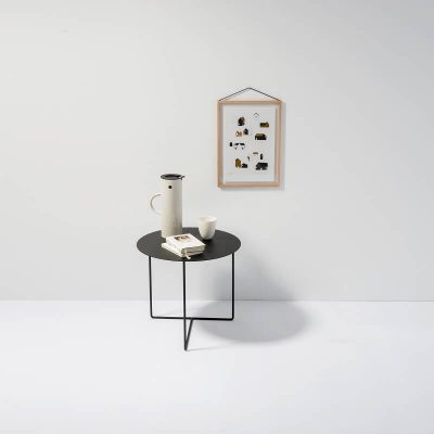 WELD & CO - SOLID 01 Side Table - Ronde zwart metalen bijzettafel