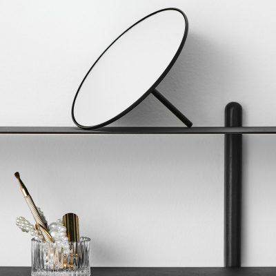 Gejst IO - Mat zwarte makeup spiegel van metaal
