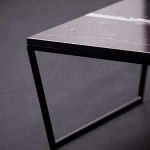 MAZANLI - DEA - Minimalistische salontafel van staal en marmer - Grand Antique