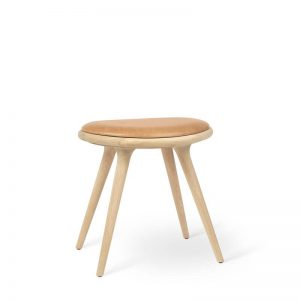 Mater Design LOW STOOL - Gezeept eiken kruk FSC® met gelooid leren zitting - 01033