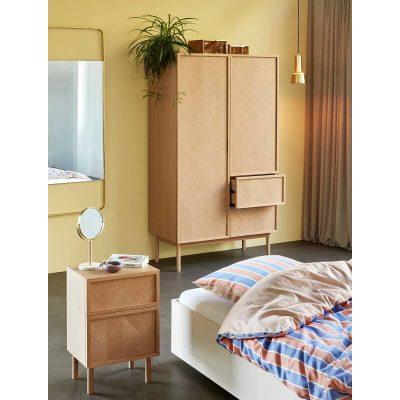 Hubsch Interior - Naturel FSC® eiken kledingkast met visgraat patroon - 881314
