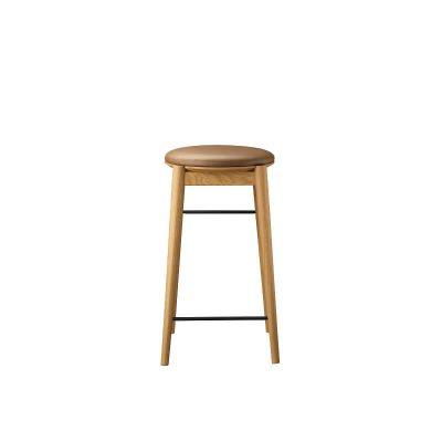 FDB Møbler - J169 ØST - FSC® eiken houten barkruk met taupe leren zitting