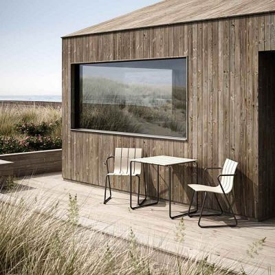 MATER Design OCEAN TABLE - Zandkleur 2-persoons tuintafel van gerecyclede visnetten - 09313