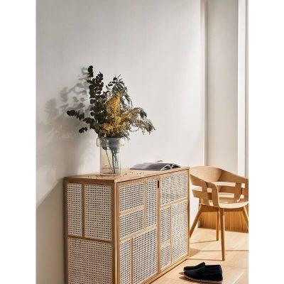 DESIGN HOUSE STOCKHOLM - AIR naturel eiken dressoir gecombineerd met rotan