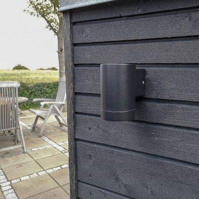 DYBERG LARSEN - STEGE OUTDOOR zwart wandlampje van aluminium - 1004